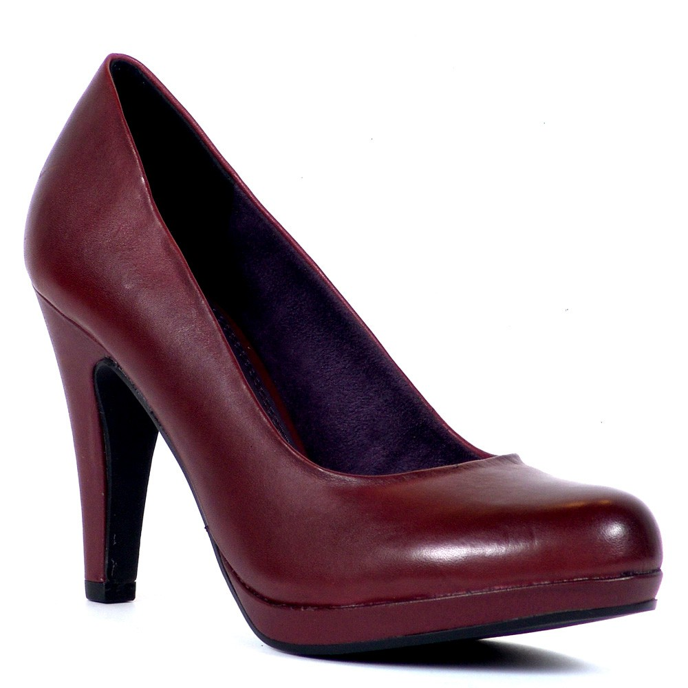 Marco Tozzi magassarkú platformos női bőr cipő. Sarka kb 9,5 cm magas, talpa 1 cm vastag.