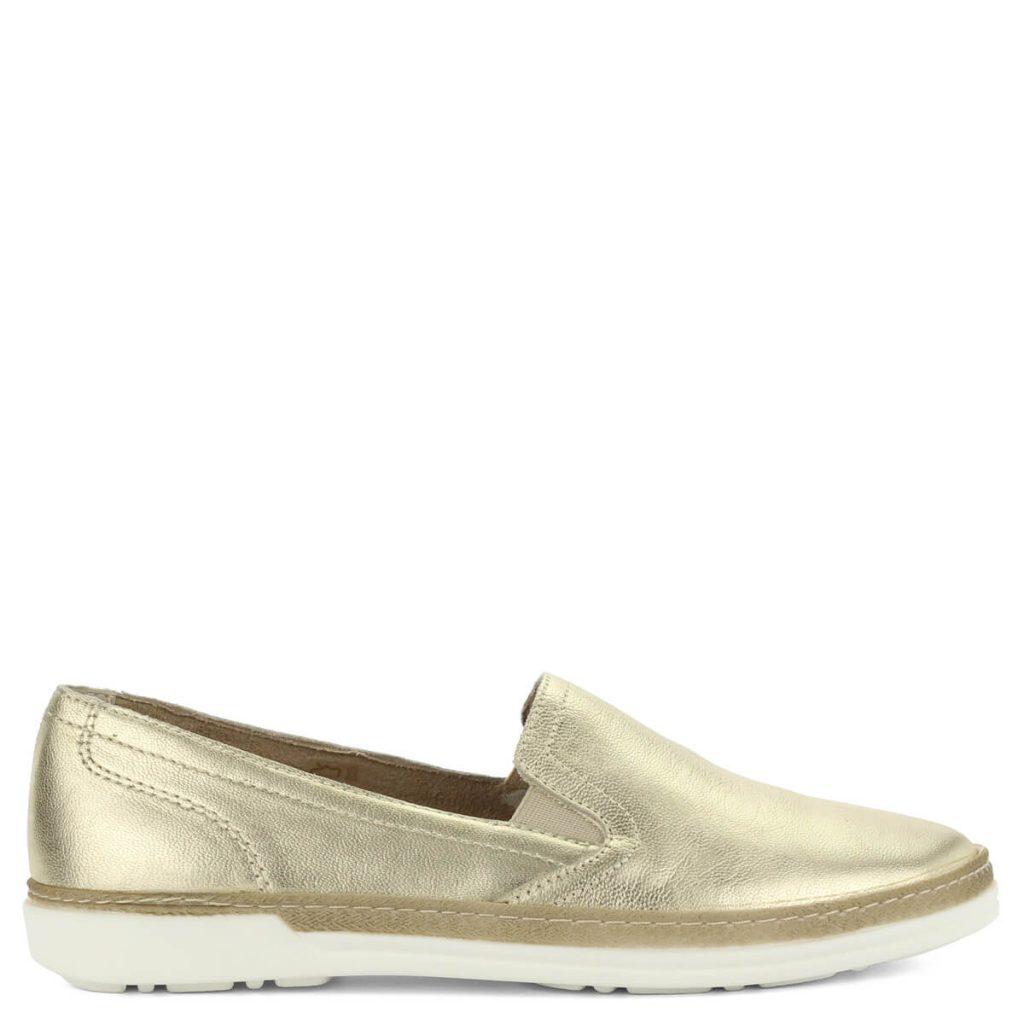 c9fc7a3f5e A cipő megvásárolható webáruházunkban és cipőüzleteinkben Győrben.  Terméklap: https://webshop.chix.hu/noi-cipo/aeros-arany-bor-slipon -d681-gold/