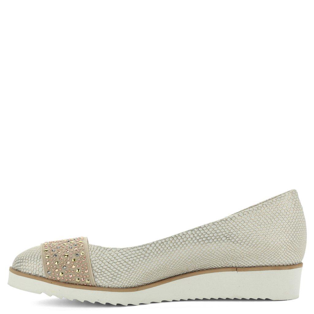 A cipő megvásárolható webáruházunkban és cipőüzleteinkben Győrben.  Terméklap  https   webshop.chix.hu noi-cipo carla-ricci-arany-bor-cipo -619-758-gold  15019ce4b8